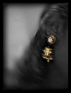 jewelry color splash black & white