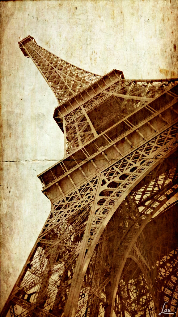 More of Paris ? click here -> #parisbyLou #wappapereffect  #paris #eiffeltower #paper #architecture